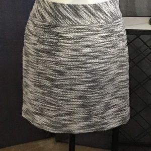 LOFT Gray/Black Tweed Mini Pencil Skirt 6 6P